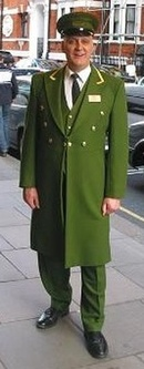 Harrodsdoorman-2